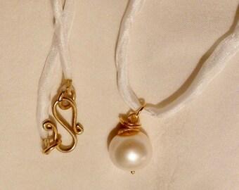 White Pearl  on Silk Ribbon ''Sahara''