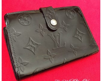 Authentic Louis Vuitton French Kisslock Wallet restored in black vernis!!