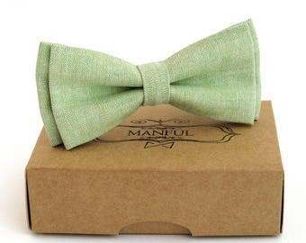 Green linen bow tie, wedding necktie, linen necktie,  groomsmen necktie,  green necktie, green bow tie for men