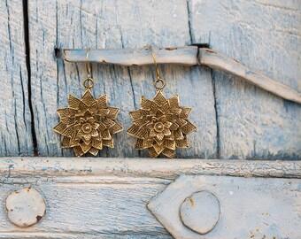 Earrings Brass Flower / Boucles d'oreilles fleur