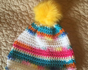 Childs pom-pom hat