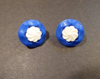 earrings plastic blue