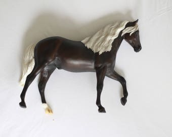 Brown Breyer Horse with Silver/White Mane and Tail 23cm x 30cm