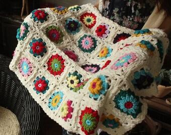 Granny Square Crochet Blanket,Retro Crochet Froral Blanket,Modern Vintage Afghan Throw,Handmade Blanket,Multicolored