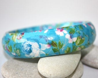 Elegant wooden bangle. Bracelet decoupaged with floral paper. Paper jewellery. Paper jewelry.