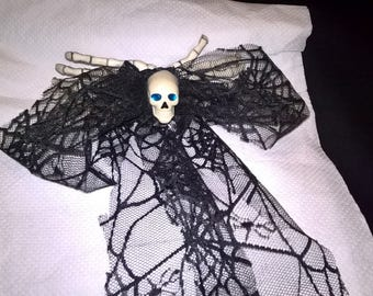 Large black lace skull bow