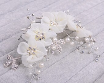 Ivory flower crystal and pearl hair comb