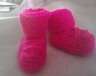 Handmade pink baby bootees