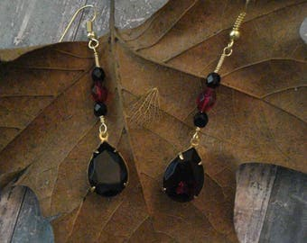 Red and Black Victorian Dangle Earrings