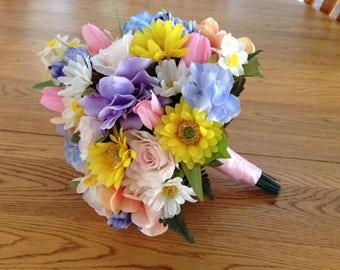 Mixed Spring Bride / Bridesmaid bouquet