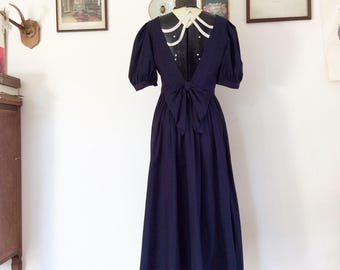 Sale! From 60 to 40 euros! Beautiful vintage Laura Ashley Blue cotton dress