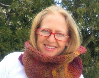 Amazing Mesa Handmade Crocheted Shawlette, Wrap, Neckwarmer