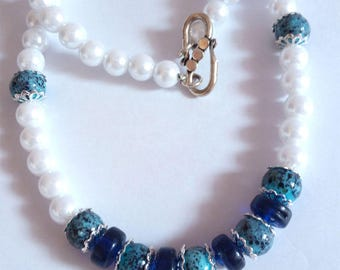 Simple White Pearl Necklace with blue beads