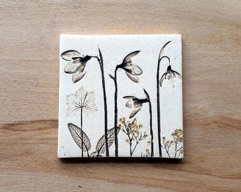 Ceramic snowdrop tile with 24ct gold leaf