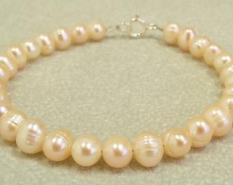 Peach Pearl Bracelet, Pearl Bracelet, Peach Pearls, Freshwater Pearls, Pink Pearl Bracelet, Pearl Jewelry, Handmade, Freshwater Pearl, Pink