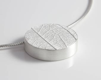 925 Silver necklace leaf light