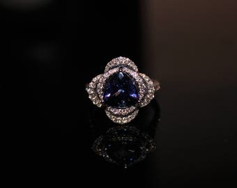18ct White Gold Diamond and Tanzanite Fancy Cluster Ring