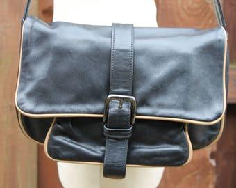 RUSSELL And BROMLEY Satchel Saddle Messenger Cross Body Shoulder Scoop Hobo Bag Vintage Black & Tan Leather Hide Harness Purse