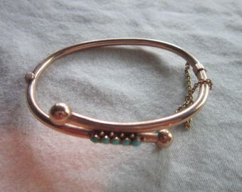 Wonderful Antique 10 K Yellow Gold Hinged Bangle Bracelet with Turquoise Beads