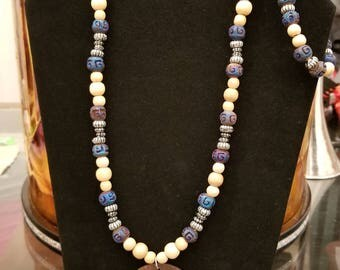 Beaded Necklace and Bracelet Set