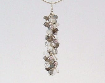 Neutral colors cluster pendant