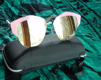 Pink Rimmed Mirror Sun  Glasses