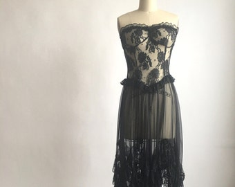 Black Strapless Ruffled Pointed Hem Negligee