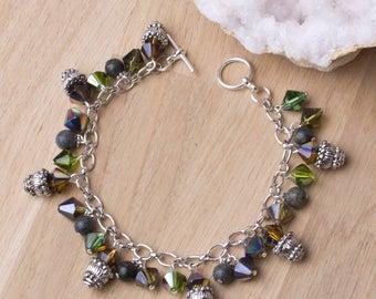 Rainbow bead bracelet - Serpentine & rainbow glass beaded charm bracelet | Gemstone charms | Green iridescent jewelry | Statement jewellery