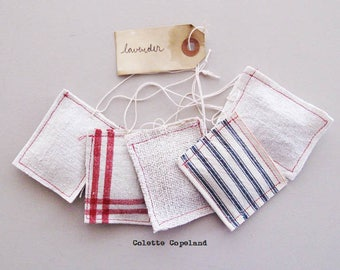 Mini lavender sachets, 5 pieces, vintage fabrics, French lavender flowers, handmade