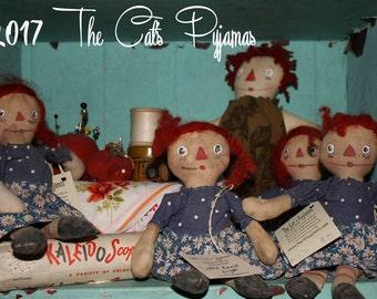 Primitive Little Raggedy Ann Rag dolls folk art ornies bowl fillers Package toppers Secret Santa Gift Hand painted face Daisy dress whimsy