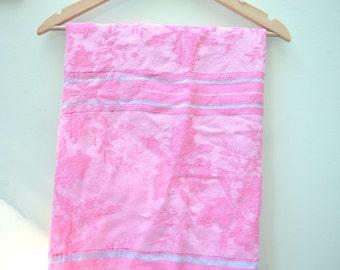 Pink Table Cloth, Cotton Linen Fabric, Vintage Fabric, Fabric Remnant, Floral Fabric, 1960's Fabric, Floral Retro Table Cloth
