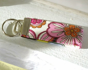 Keyfob Wristlet for Summer in Retro Pink, Orange and Chartreuse, Fabric key fob, Keyring, for her, under 10 dollars