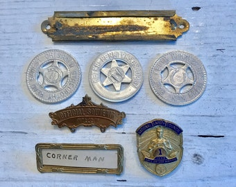 7 Vintage Piece Odds and Ends 1903 Jewelry SUPPLIES Altered Art Label Pin Token Collectables Curiosity Cabinet Steampunk Industrial