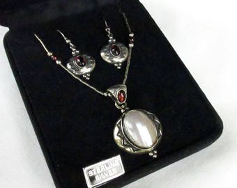 Sterling Silver Vintage Gemstone Jewelry Set, Garnet & Mabe Pearl Removable Pendant, Adjustable Necklace, Matching Earrings,