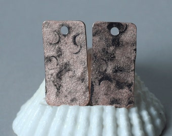 Hand hammered matte finish rose gold tone rectangle dangle size 21x11mm, 2 pcs (item ID XW05072RGK)
