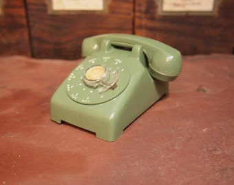 Free Shipping Vintage Retro Groovy Green rotary Sample phone Toy