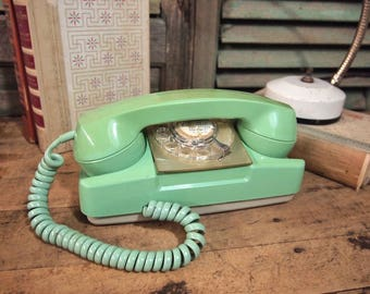 Seafoam Green Starlite Telephone Vintage Retro Groovy rotary phone Untested