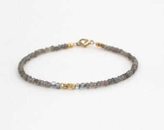 Labradorite Bracelet with Mystic Quartz Accents/Labradorite Bracelet/Beaded Bracelet/Handmade Jewelry/Dainty Labradorite/Beaded Jewelry