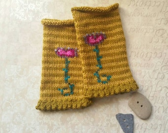 Handknit Fingerless Gloves in Mustard Wool