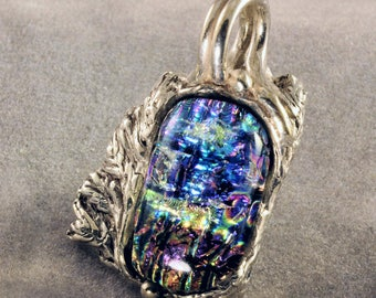 A bit of nature - dichroic glass and fine silver pendant