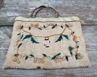 Vintage Antique 1900 French linen embroidered bag figures wine grappes and flowers