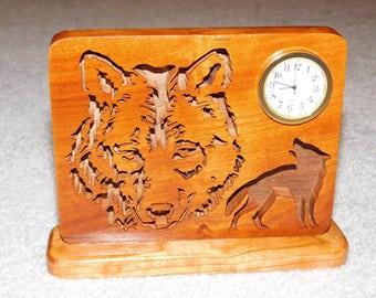 Scroll Saw Wolf Desk Clock