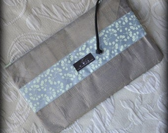Gracia Placemat Clutch