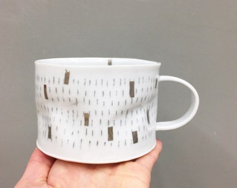 Silver confetti porcelain crumple cup