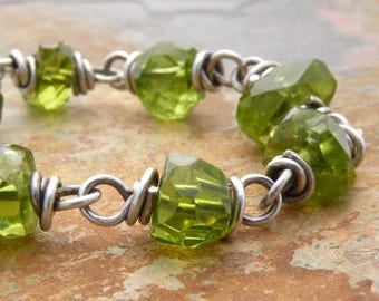 Faceted Peridot Necklace, Green Gemstone Necklace, August Birthstone Necklace, Gemstone Necklace, Sterling Silver, Gift for Her #4580