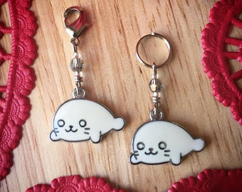 SALE SEALed with a Kiss MINI: Set of 2 Super Cute Baby Seal Stitch Markers
