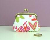 Handmade coin purse, Scandinavian fabric purse, Snap closure purse, Floral fabric purse, Handmade purse, Unique purse