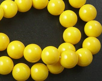 Glass Bead 41 Round 10mm Glossy Environmental Yellow Dyed Baked Opaque Paint Strand (1038gla10m1-17)
