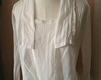 Antique Blouse, White Lawn Fleur de Lis Label, handmade, middy tie waste long sleeve, Edwardian Titanic era period original