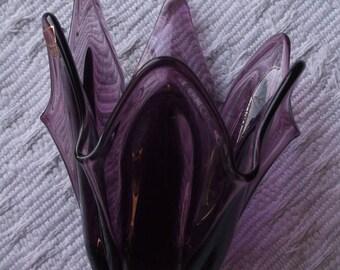 Amethyst Viking Glass Handkerchief Bow 1408, Vintage, Epic, 6 pedal fingered vase, Original Stickers